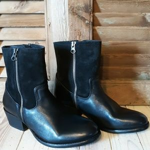 *NWOT* H BY HUDSON Riley Black Leather & Suede